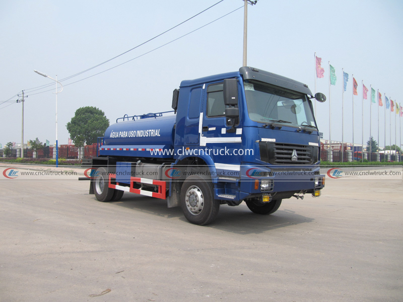 Industrial water tank truck