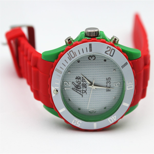 2018 hot sale new silicone watch  (guoxiuling)