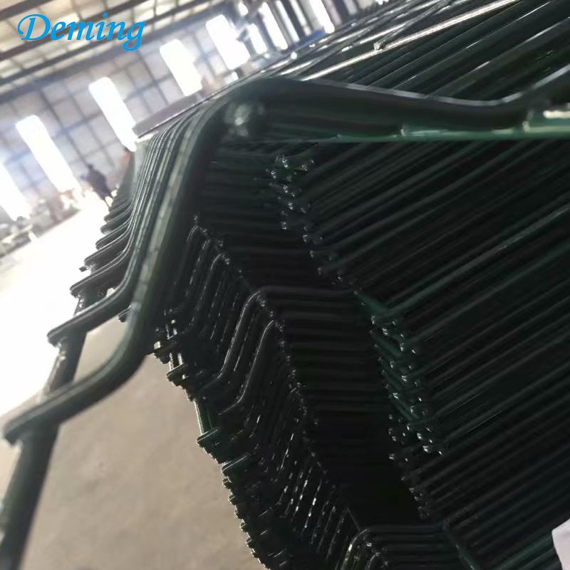Metal Panels Powder Coated Curve Triangle Bending Fence