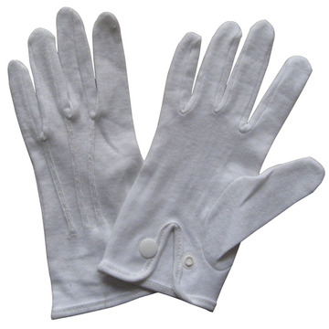 whtie cotton glove with button closure