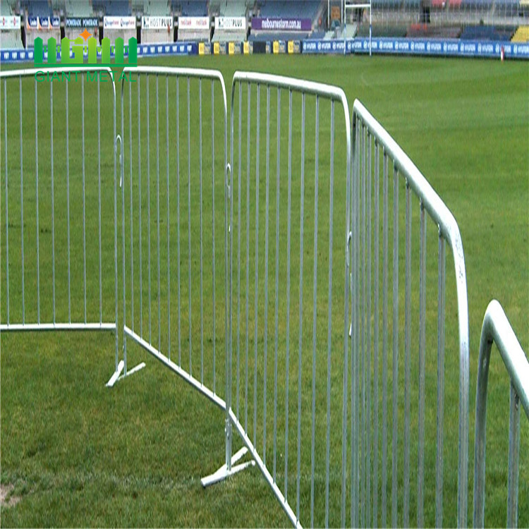 Temporary fence expandable barrier