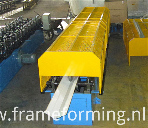 Step Tile Ridge Cap Forming Machine 05