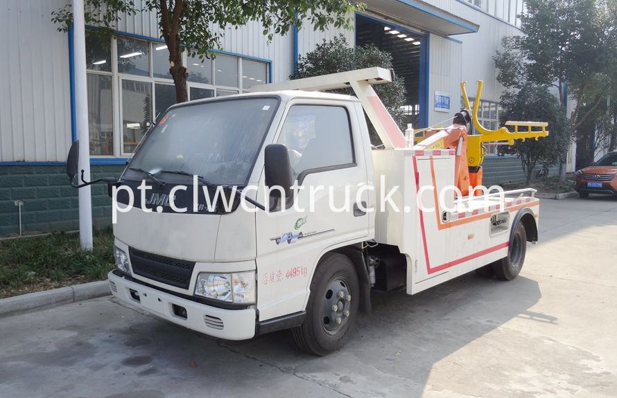 Medium Duty Towing truck 1