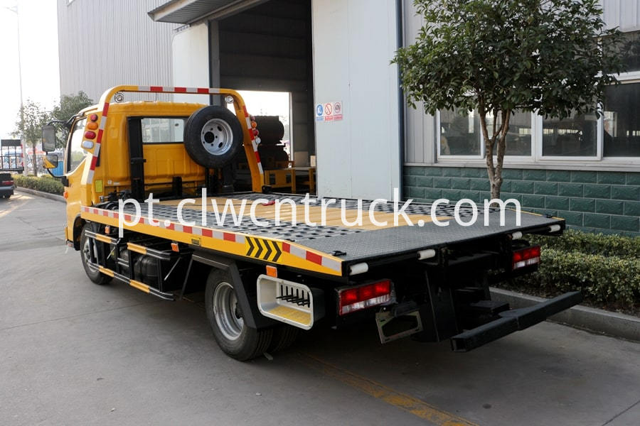 Flatbed Towing vehicle 2
