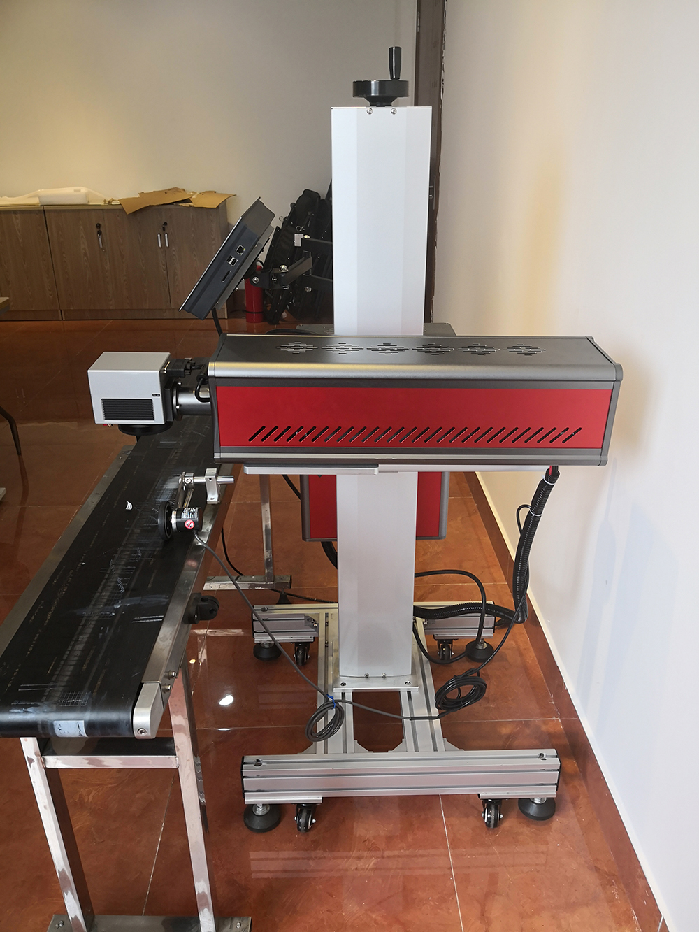 20W 30W 50W Co2 Flying Online Conveyor Belt Laser Marking Machine