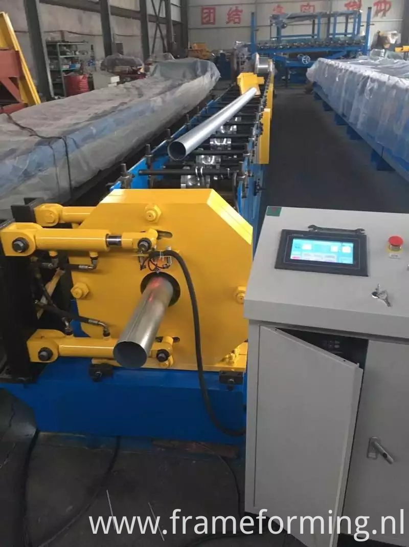 downpipe rolling machine