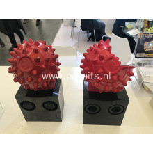 Replaceable foundation Roller cone cutters
