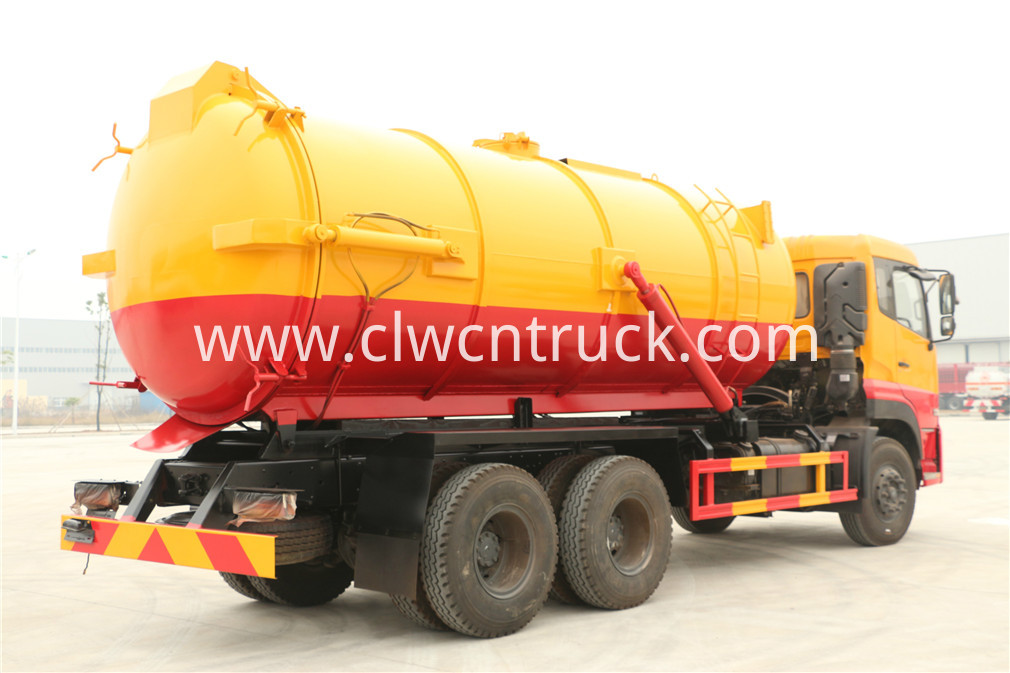 wasted water suction truck 2