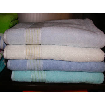 100% cotton bathtowel with border
