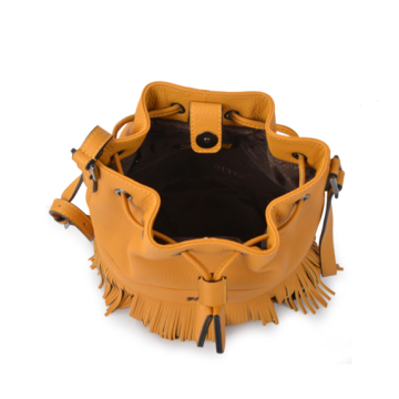 Modern and fashionable bucket bag