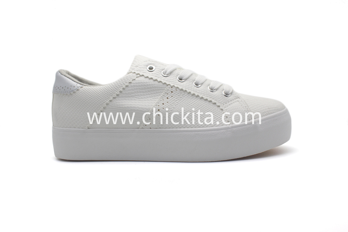 Classic Women Sneakers Shoes On White Sole Shoes
