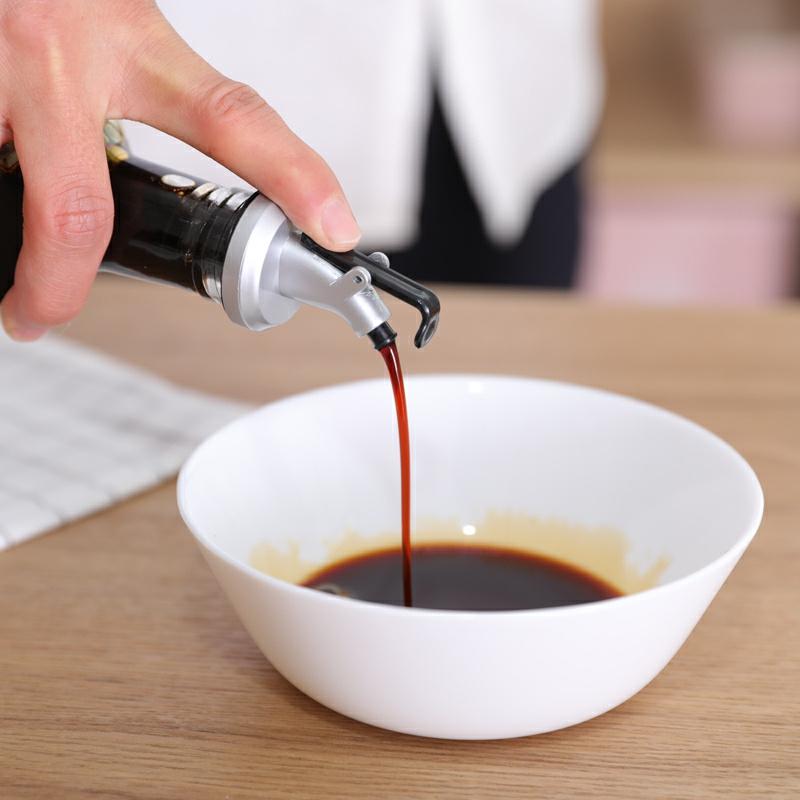 Oil Dispenser Rubber Olive Oil Sprayer Vinegar Oil Bottle Can Lock Plug Seal Leak-proof Food Grade Nozzle Liquor Kitchen Tools