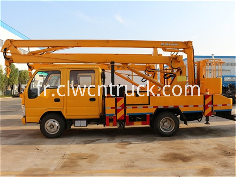 truck mounted aerial lift 1