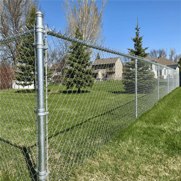 Wholesale 6 foot chain link fence antirust ablity