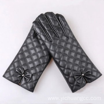 ladies embroidery leather glove with bow