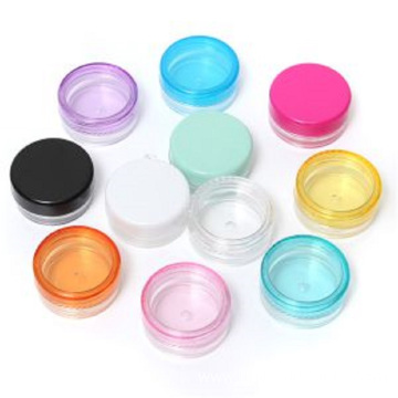 Plastic threaded caps for bottles