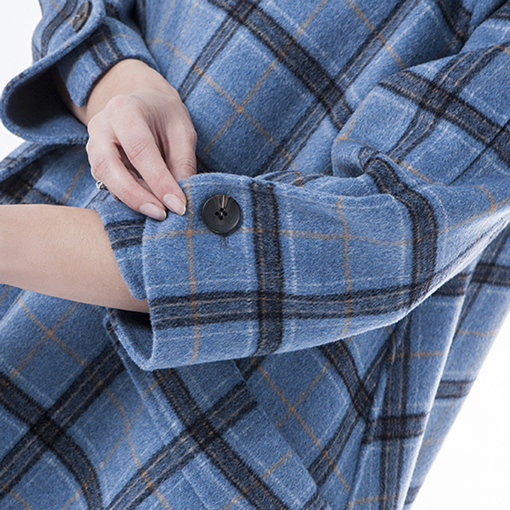 The sleeves of vogue Plaid blue cashmere winter coat