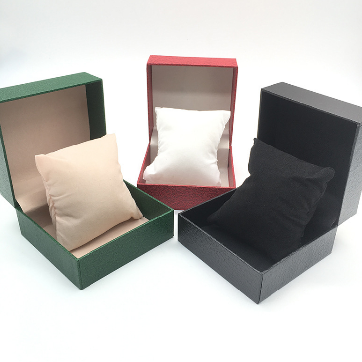 Single leather watch box with pillow