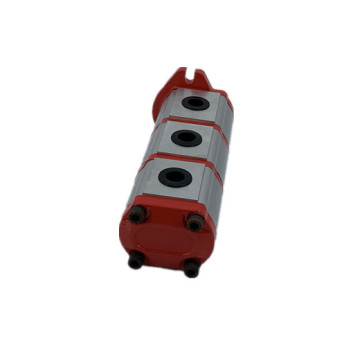 Valtra triple external gear pump