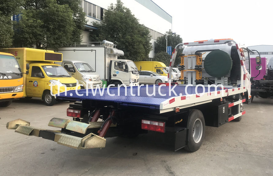 Transport Towing vehicle 4