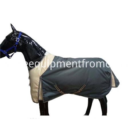 600d turnout horse rug