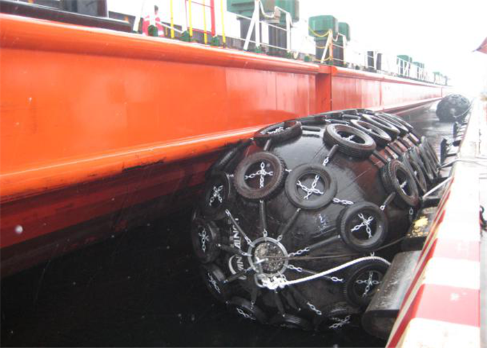 Net Type Pneumatic Fenders two