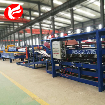 Insulated sandwich panel roll forming production lines