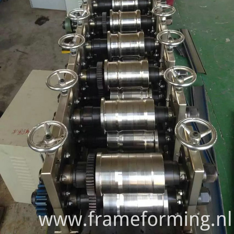 roll forming machine for roller shutter slat )