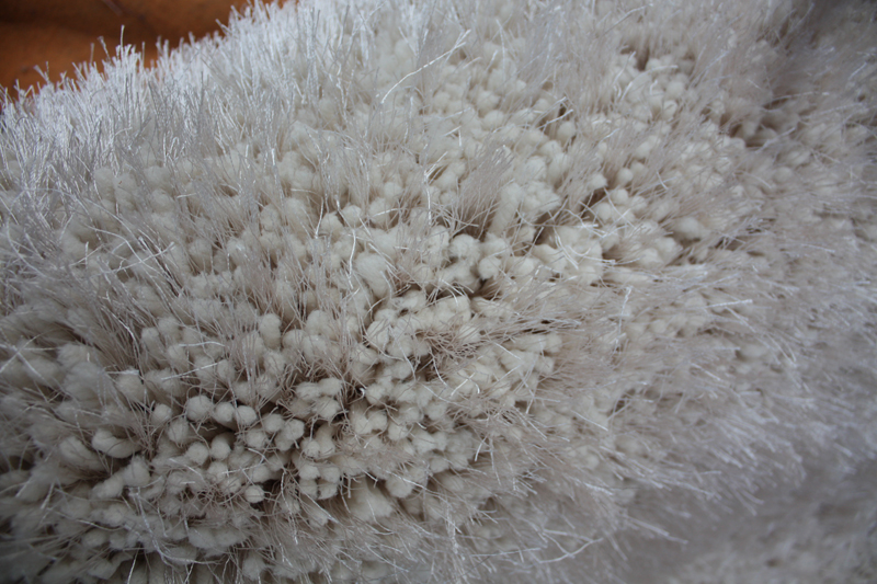 Thick Soft Yarn & Silk Mix Shaggy Rug in Ivory Color