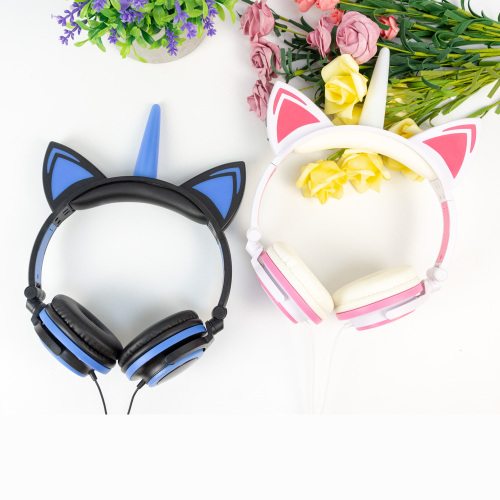 Professional headphones  colorful speakers wired headphone