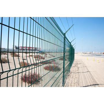 Powder coated hot dipped decorative curved wire mesh fence