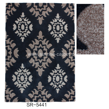 Hand Tufted Carpet With Modern Design
