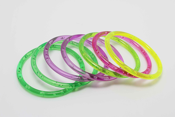Latest Design Colored Plastic Wholesale Bangles