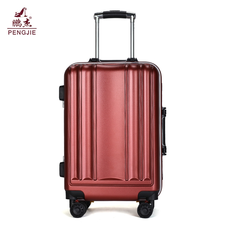 Best-lightest-hard-case-polycarbonate-carry-on