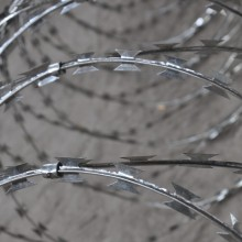 stainless steel CBT-60 concertina blade razor wire