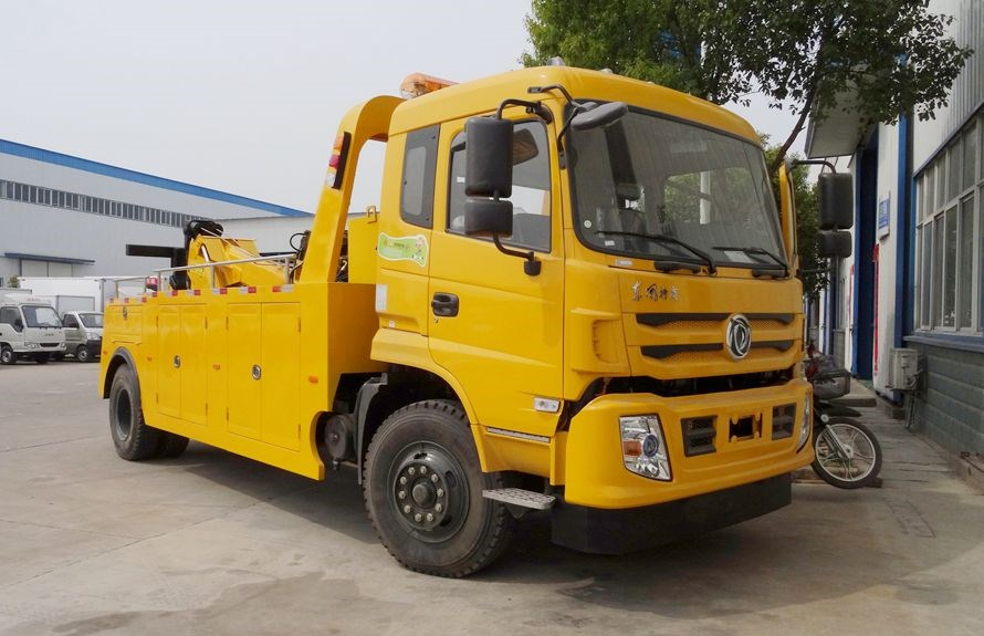 Dump Truck Towing vehicles 4