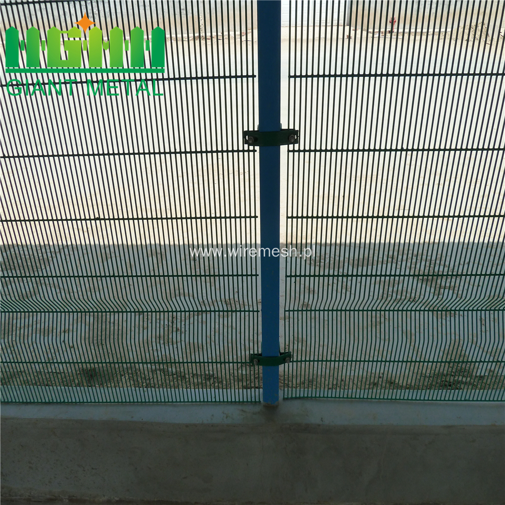 Galvanized Green  3 Twist Metal Fence