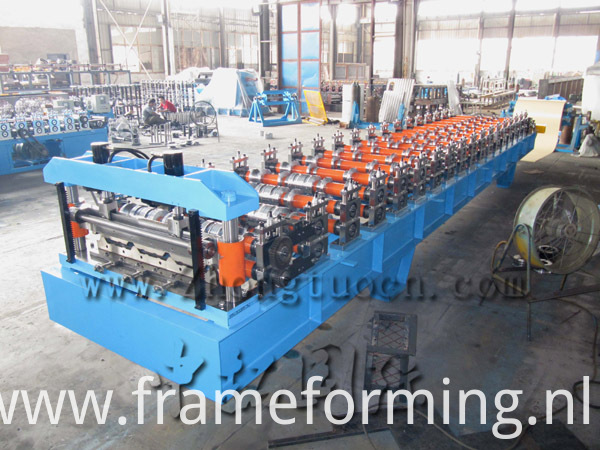 820 roofing sheet machine