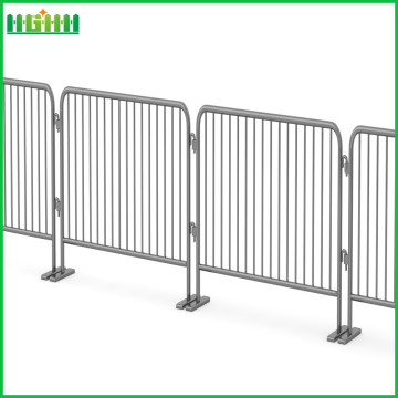 Crowd control fence panels
