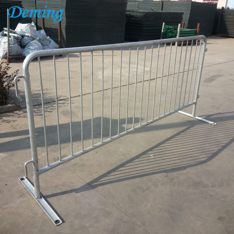 Safety Galvanized Steel Mobile Metal Road Barrier