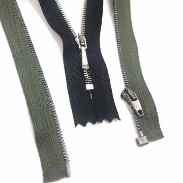 Discoun lubricated brass zippers for merchandise
