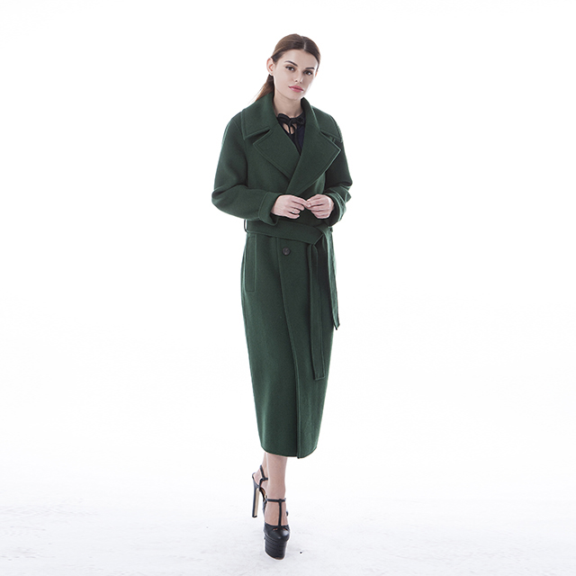 Green Cashmere Coats Are Fashionable