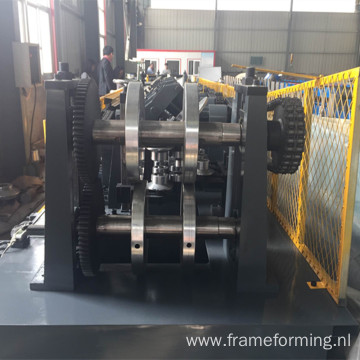Sigma type roll forming machine