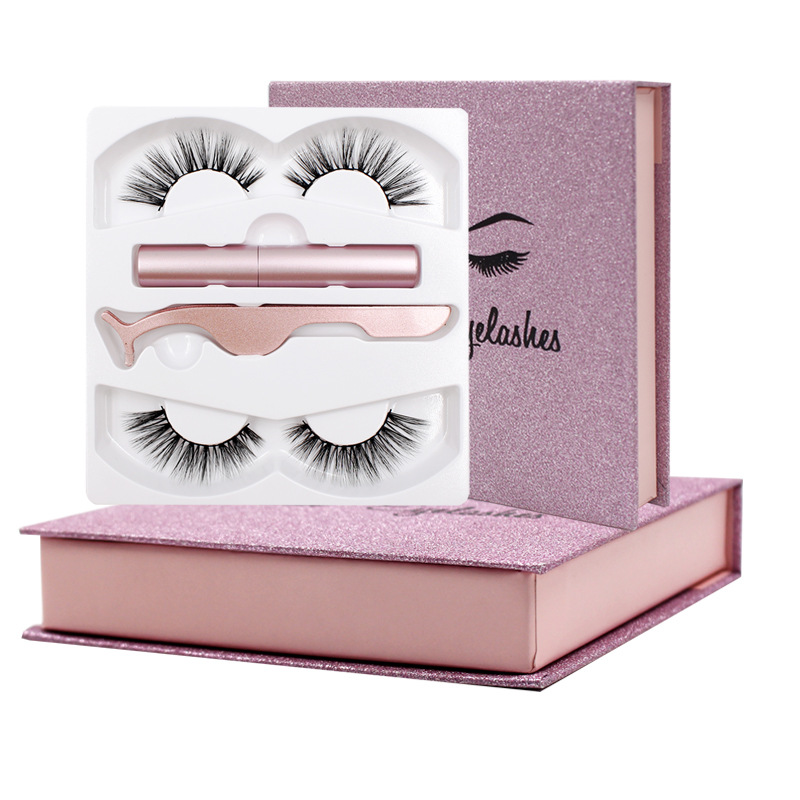 Magnetic lashes in pink box