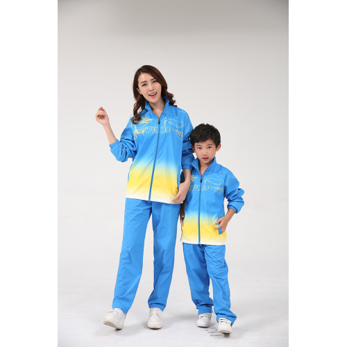 Sytylish couple award suit and kid