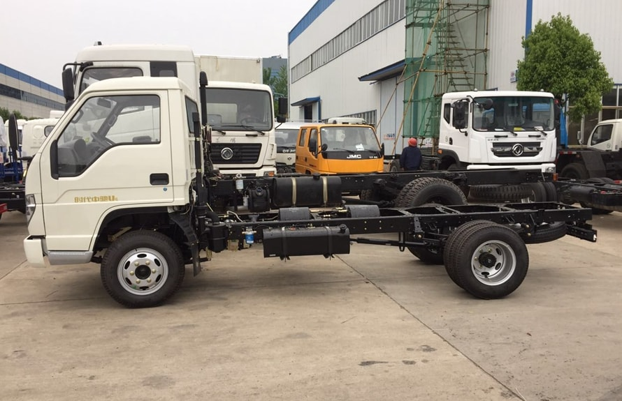 small water truck chassis 2