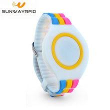 UHF 860-960MHz Adjustable Waterproof Silicon RFID Wristband