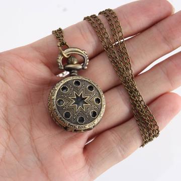 Vintage Fashion Pocket Watch Bronze Color Quartz Watch Chain Stainless Hollow Pentagram Watches Pendant Gift cep Clock