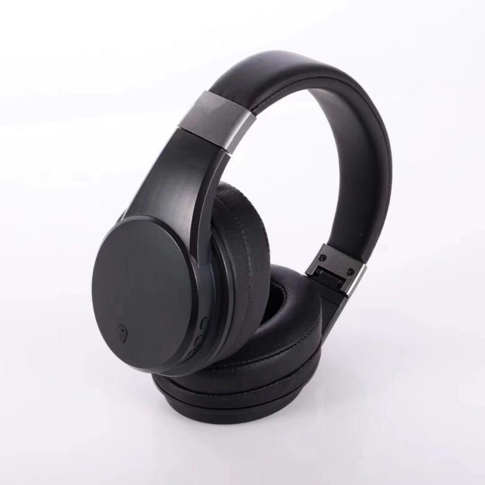 Wireless stereo noise reduction headphones for party