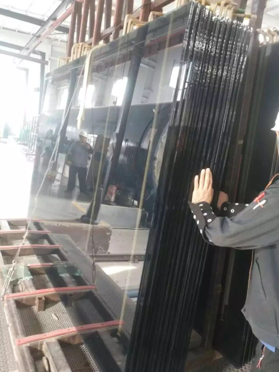 Low-E laminated glass